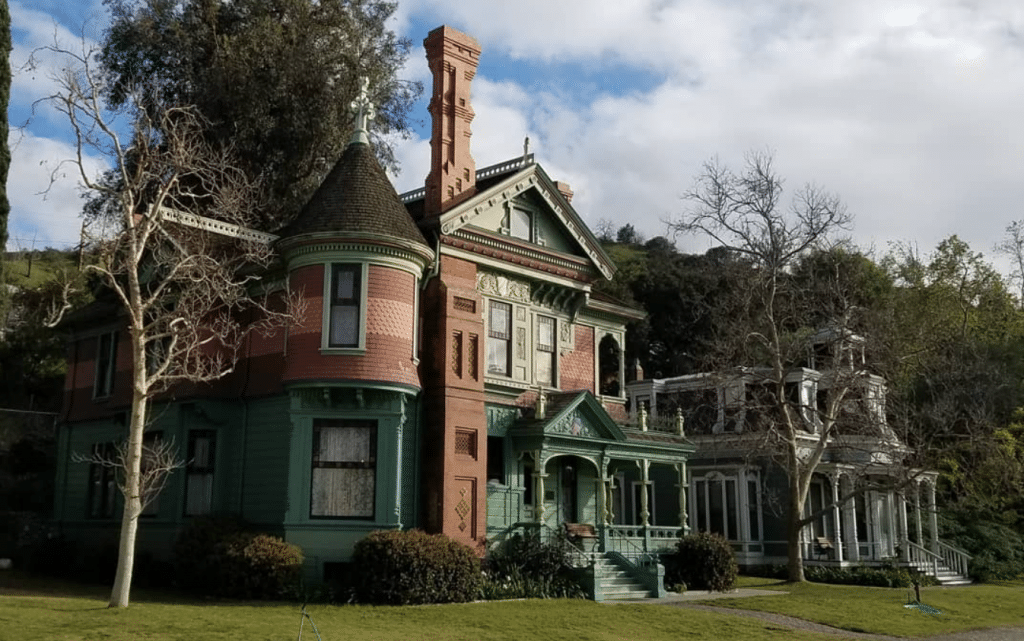 There's An Eerie Victorian-Era 'Mourning Faire' Coming To Heritage Square Museum This October
