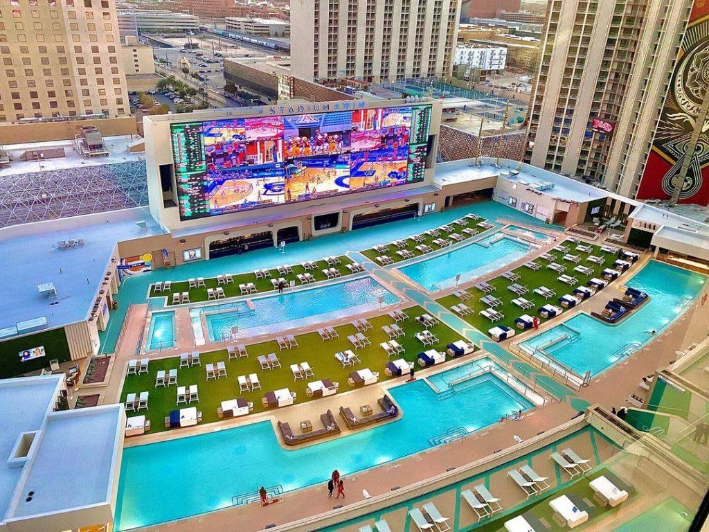 This Las Vegas Casino Resort Has Opened America's Biggest Pool Ampitheater