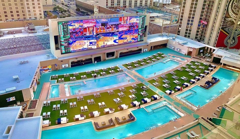 This Las Vegas Casino Resort Has Opened America's Biggest Pool Ampitheater