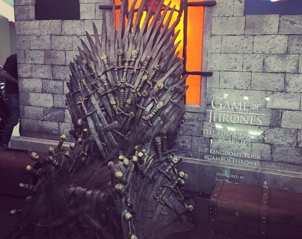 Game Of Thrones Fans Can Grab A Selfie On The Iron Throne This Week