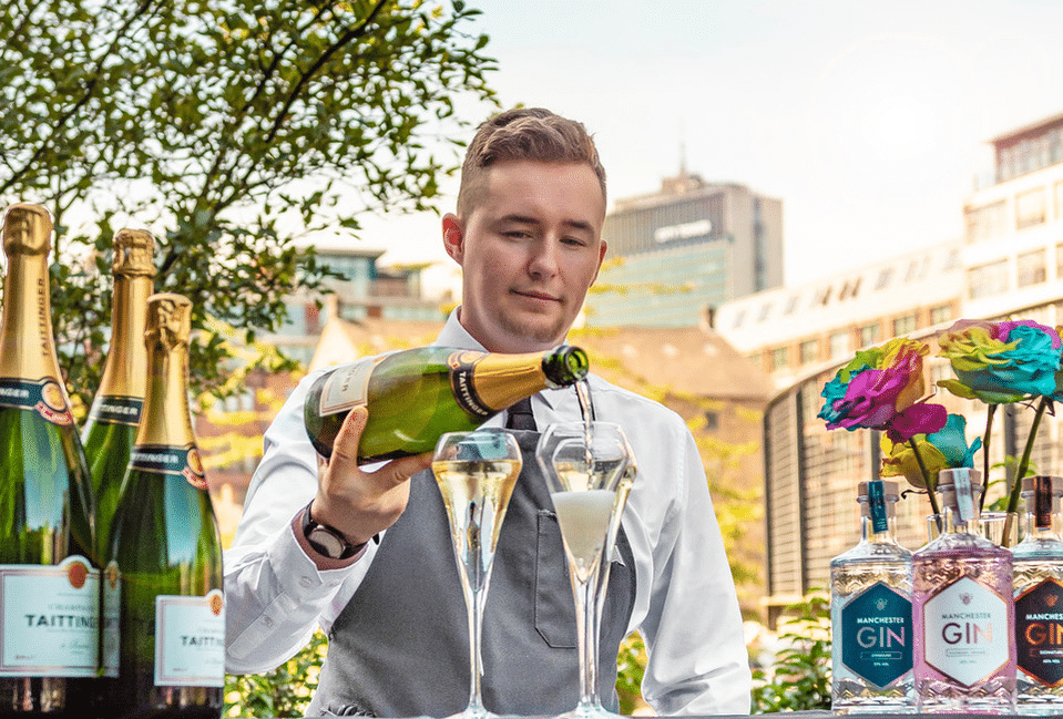 This Gorgeous Pop-Up Cocktail Bar Will Help Us Make The Most Of The Final Summer Nights