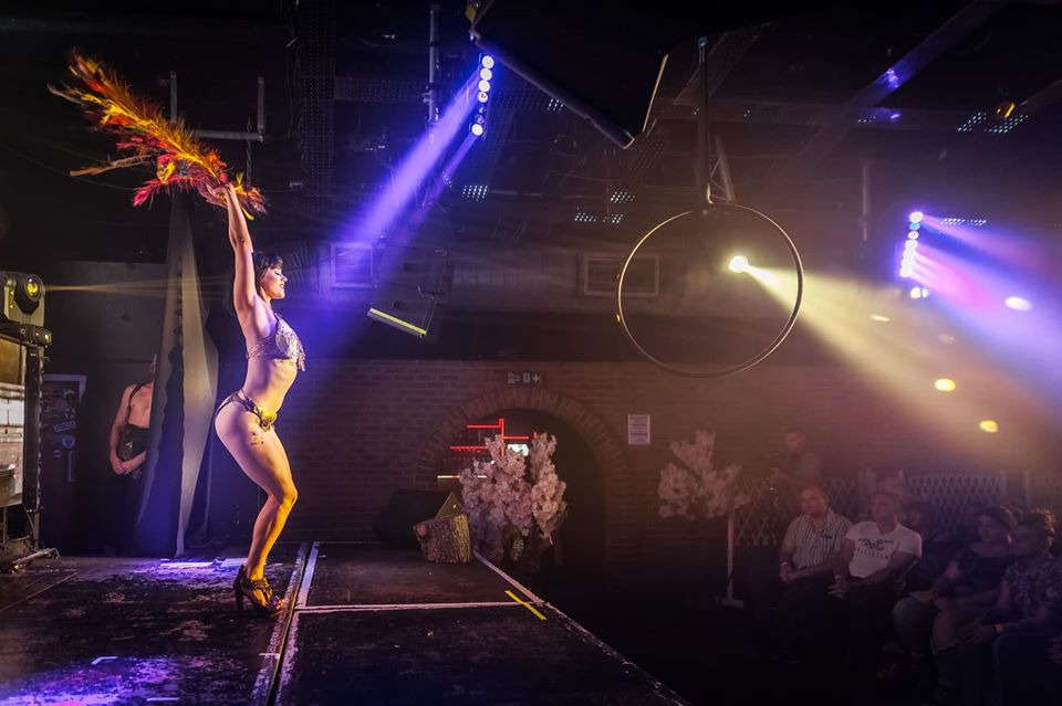 A Christmas Cabaret With Burlesque Dancers And Drag Queens Is Coming To Manchester