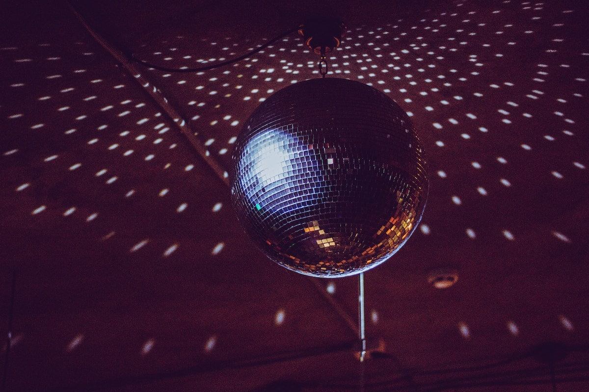 disco-ball-party-club