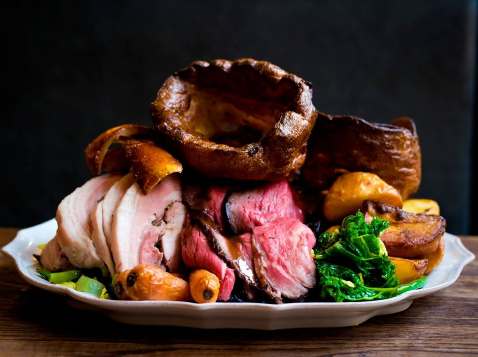 These Giant Sunday Roast Platters Are The Perfect Weekend Feast · The Refuge
