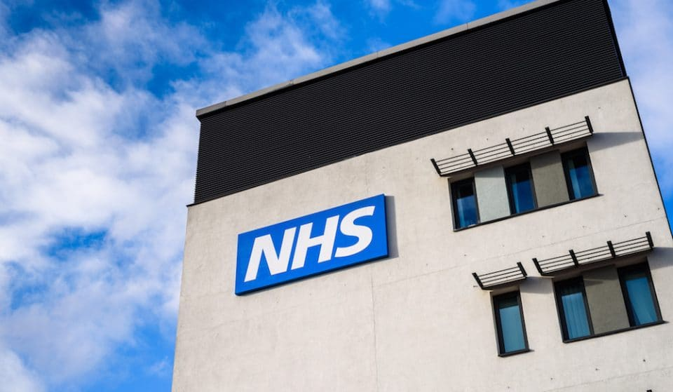 A Quarter Of A Million Brits Volunteer To Help NHS, Exceeding Target In Less Than 24 Hours