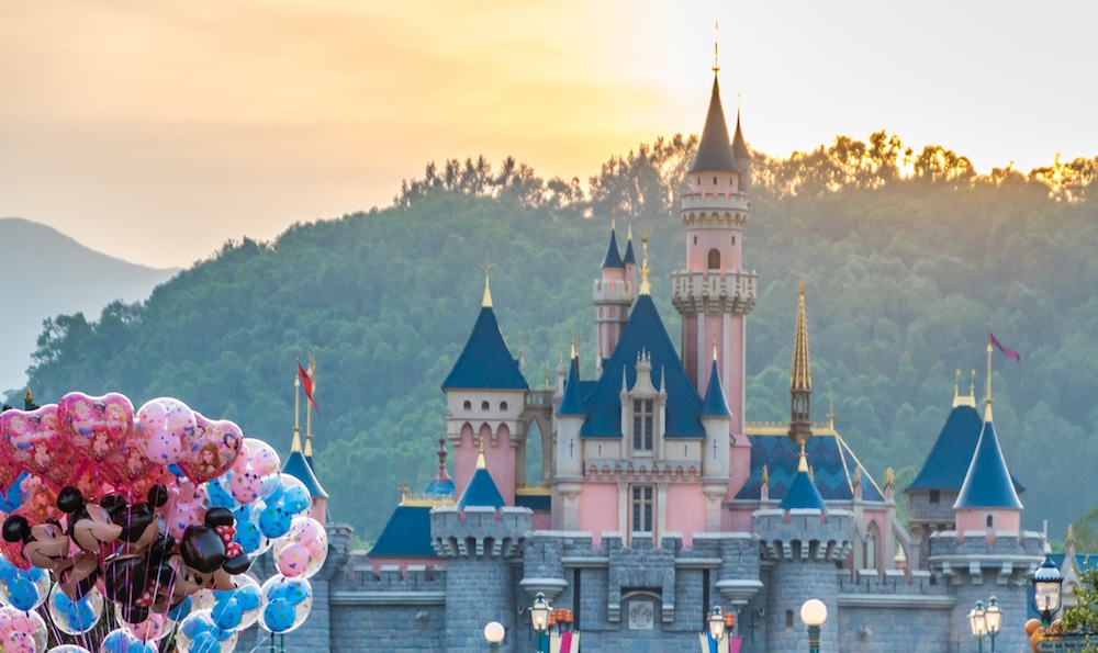 Visit Disneyland From Anywhere In The World With These Virtual Rides