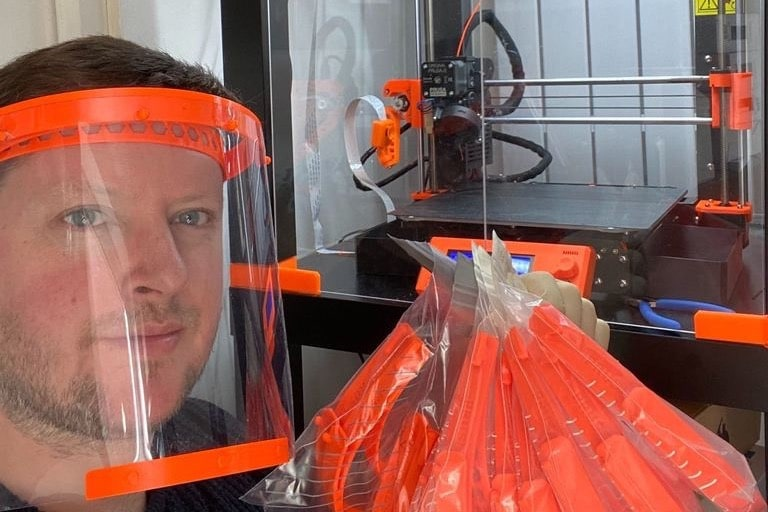 Over 1000 Amazing 3D Printer Owners Are Printing Face Shields For Key Workers