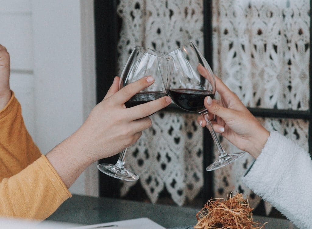 Become A Wine Connoisseur With This Online Wine Delivery And Tasting Experience