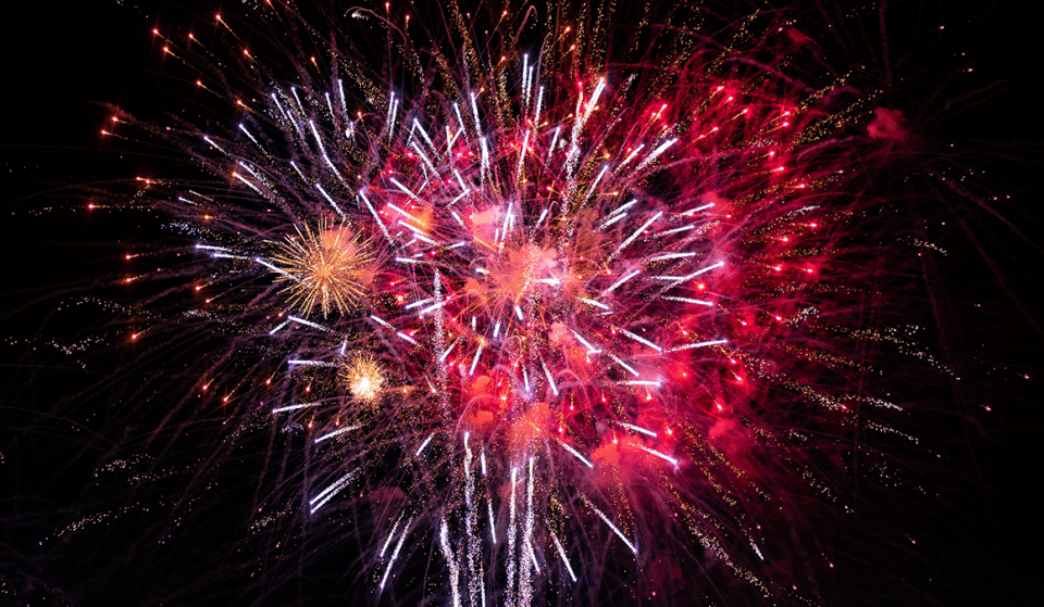 Fantastic Images Of Fireworks Lighting Up The Manchester Skies Last Night