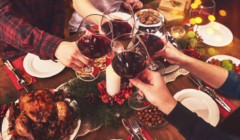 10 Essential Ways To Survive Spending Christmas With Your Housemates This Year