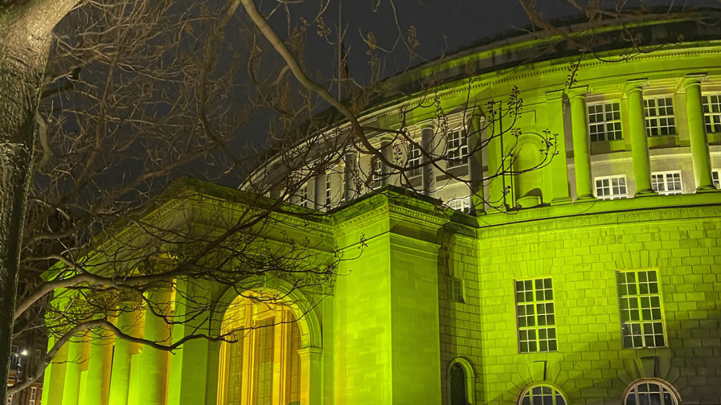 These Lovely Photos Show Manchester Lit Up Yellow Last Night In Honour Of COVID-19 Victims