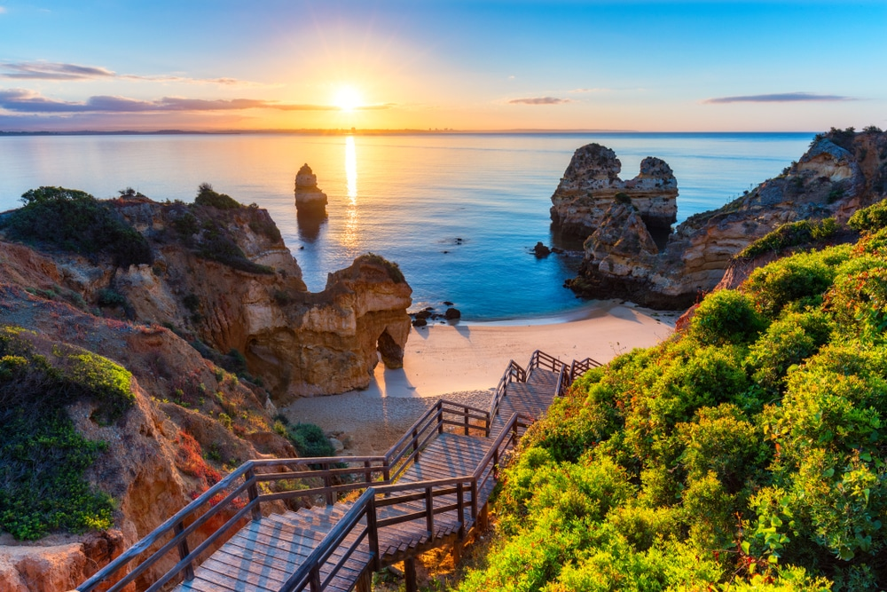 Vaccinated British Travellers Could Be Permitted To Enter Portugal From May