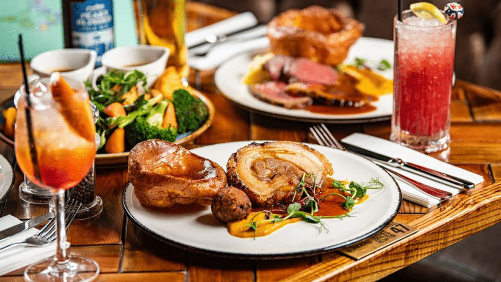You Can Now Tuck Into A Bottomless Sunday Roast With Cocktails & Beers At This Manchester Bar