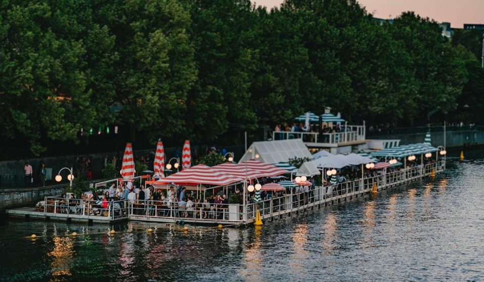 The Floating Pontoon Bar On The Yarra Has A New Look For This Summer · Arbory Afloat