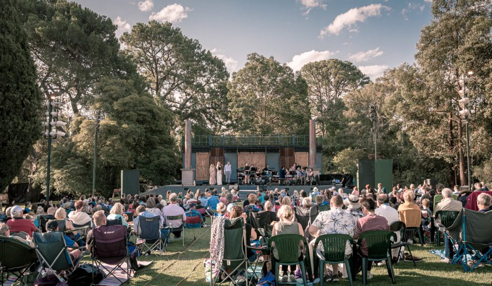 Shakespeare Under The Stars Will Return In December With A Comedy Of Errors