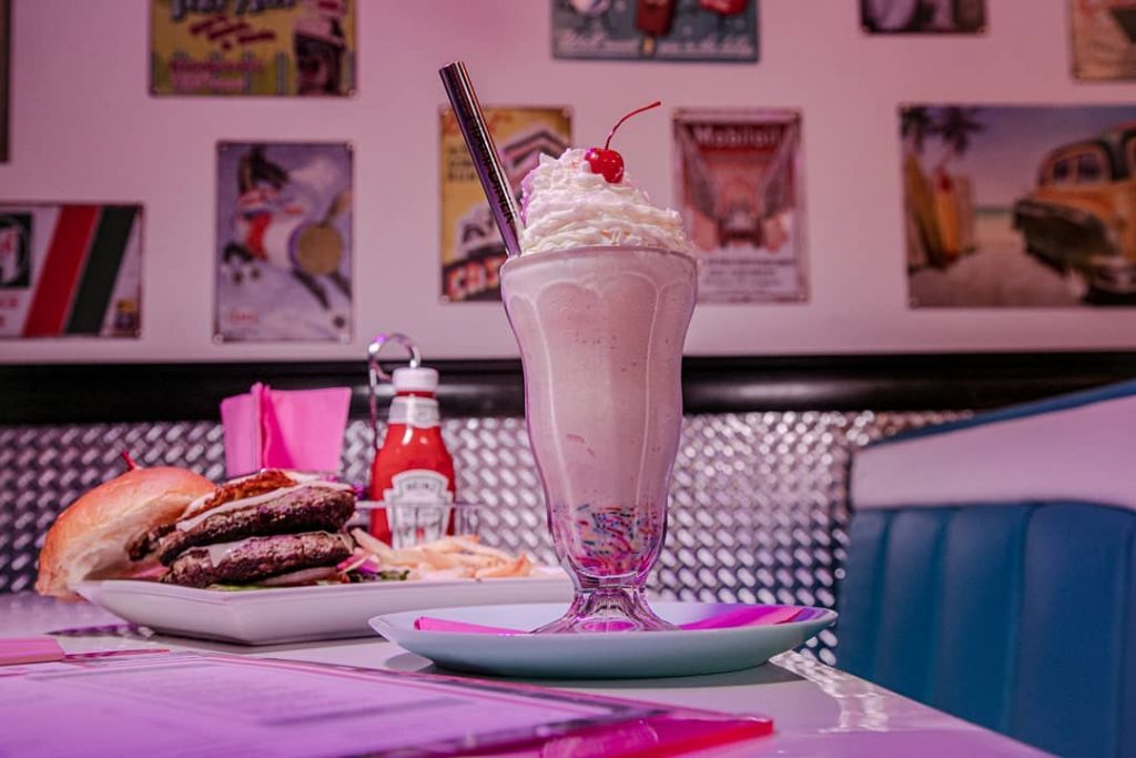 This New Diner In Downtown Miami Is Giving Us Major Retro Vibes • Miami Diner
