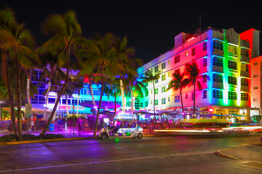 11 Fabulous LGBTQ Bars To Check Out In Miami