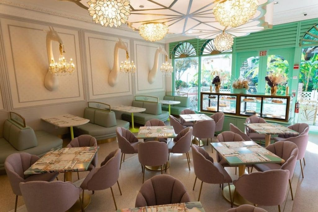 This Lovely Café At Aventura Mall Serves Whimsical Cakes That Are Just Too Good To Miss