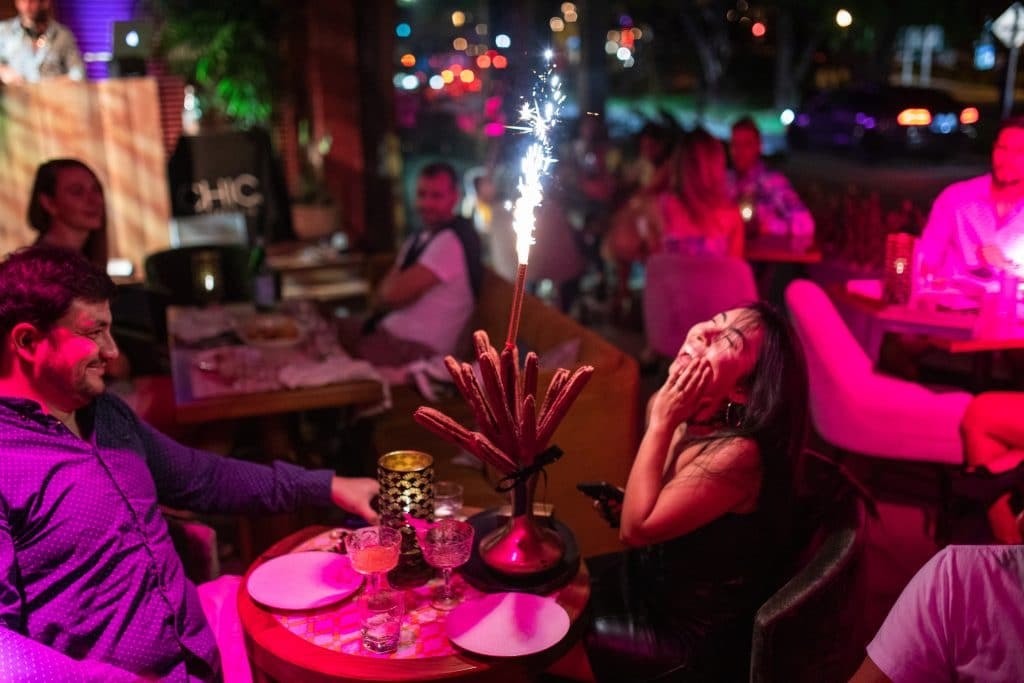 5 Awesome Dinner Parties For A Fun Night Out In Miami