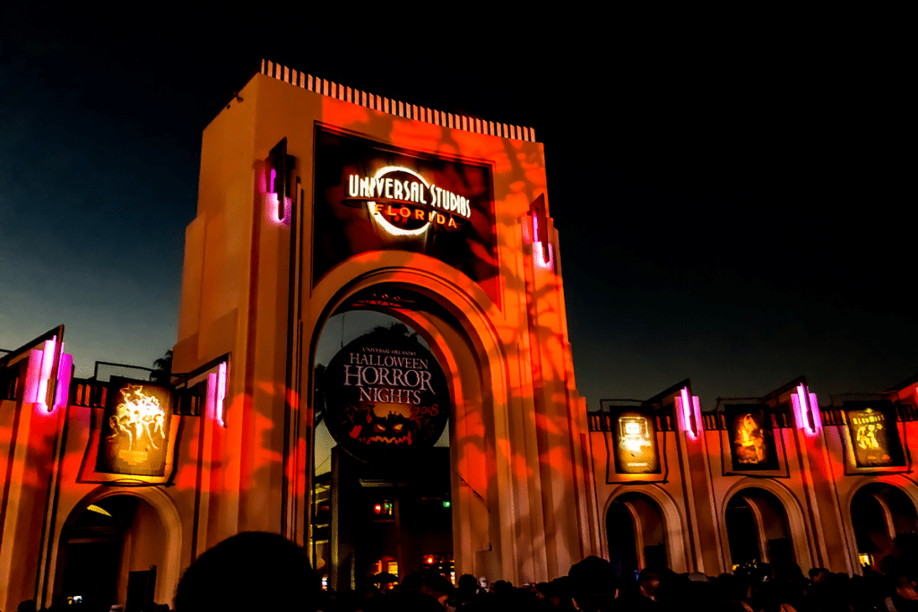 5 Best Houses To Check Out During Halloween Horror Nights This Year According