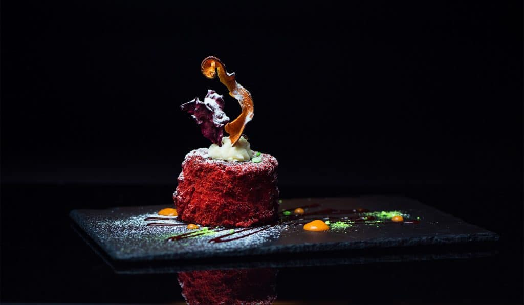 Tantalize Your Taste Buds At This Wonderful 'Dining In The Dark' Food Experience