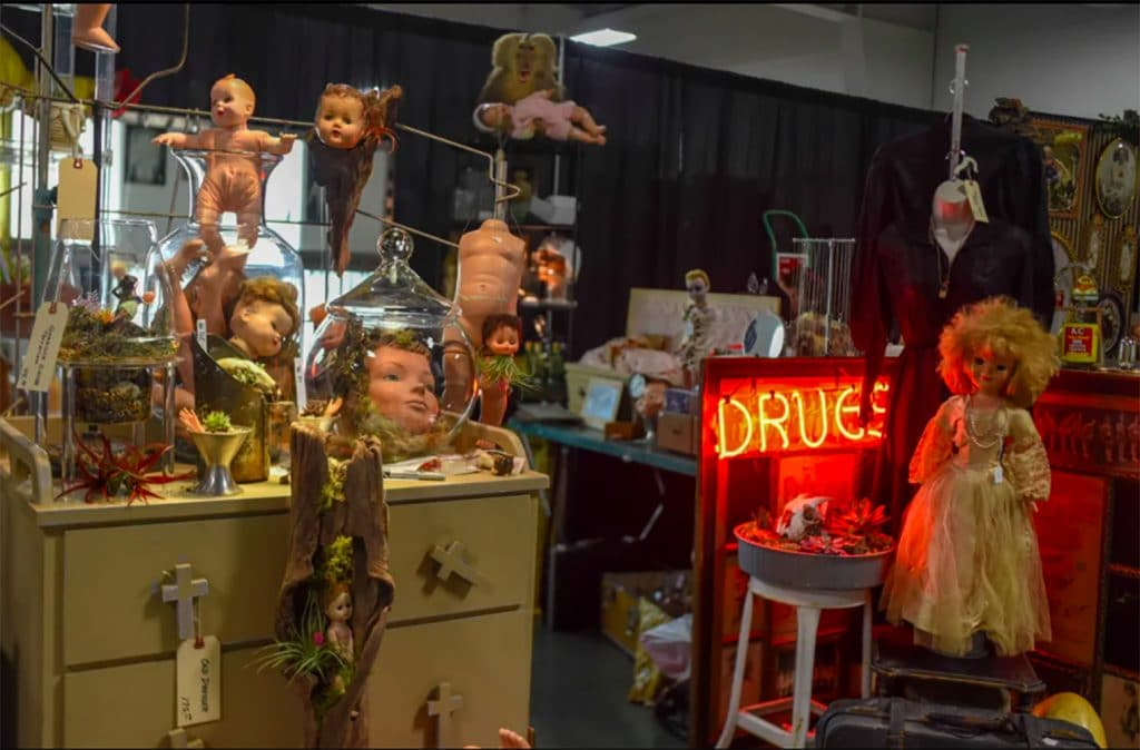The Oddities And Curiosities Expo Is Bringing The Bizarre To Minneapolis