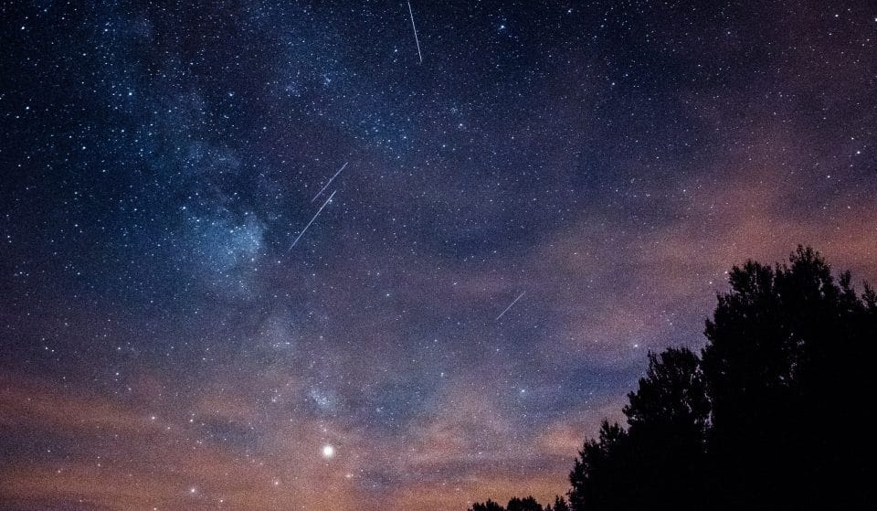 A Meteor Shower Glittered With Hundreds Of Shooting Stars Is Lighting Up The Sky This Month