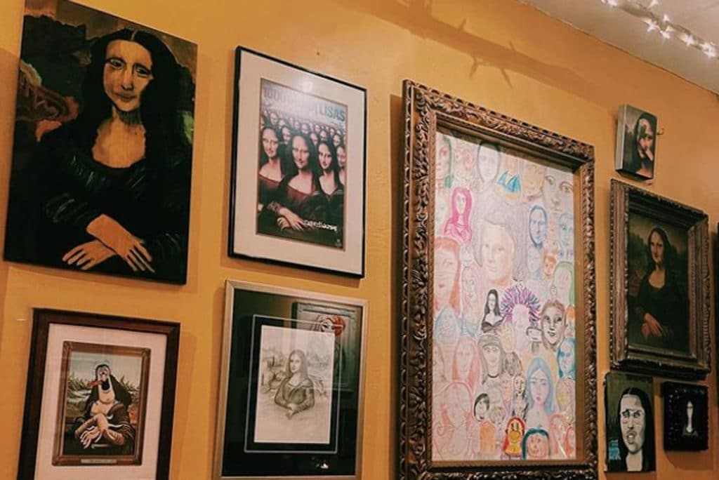This Quirky New Orleans Restaurant Has Hundreds Of Mona Lisas Hanging From Its Walls