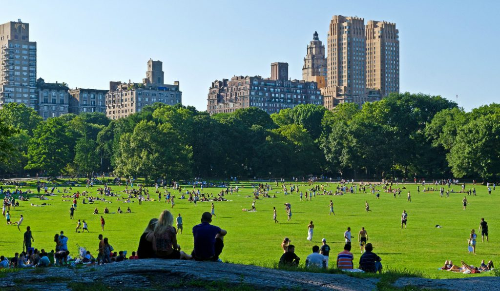 21 Things Every New Yorker Does When The Weather Gets Warm