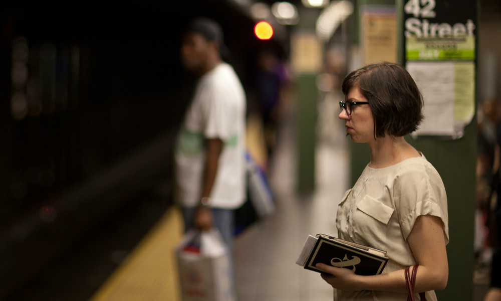 23 Thoughts Every New Yorker Has While Waiting For The Subway