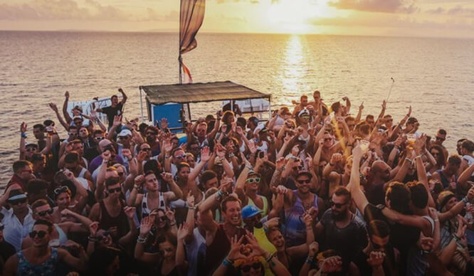 6 Unforgettable Plans For Your Memorial Day Weekend