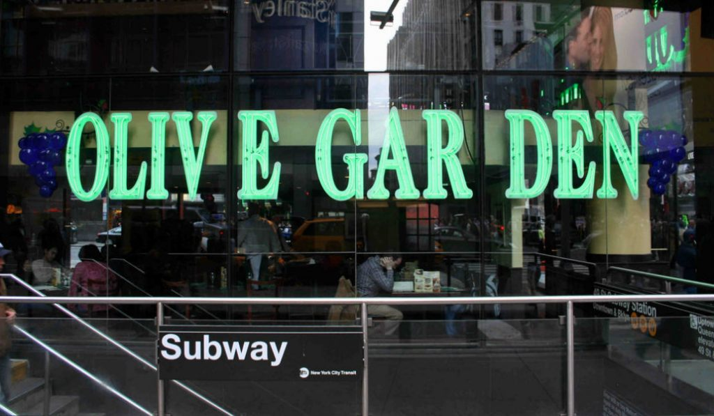 Why eat at Times Square Olive Garden? The Answers went Viral