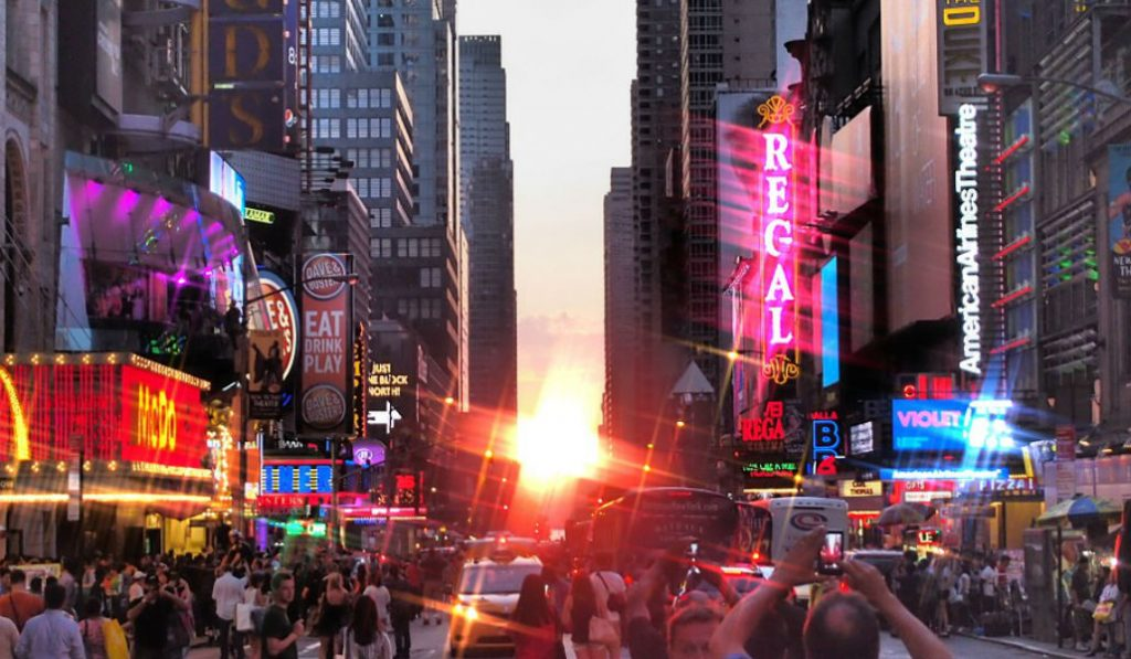 Thursday Will Be Your Last Chance To Catch Manhattanhenge This Year