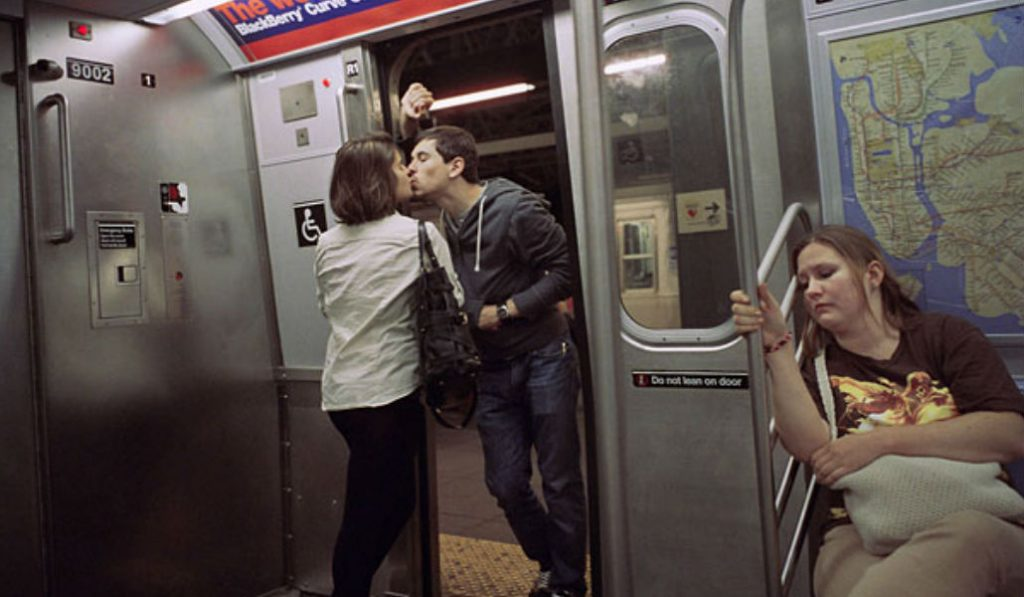 This Photographer Spent 30 Years Capturing Kissing Couples in NYC