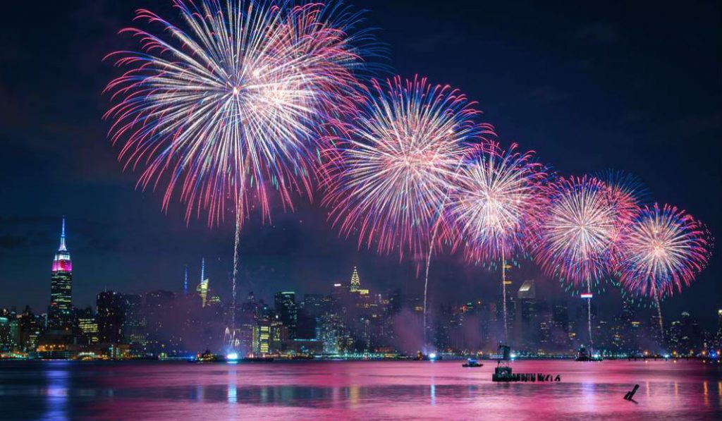Breathtaking Images and Videos from Macy's July 4 Firework Show