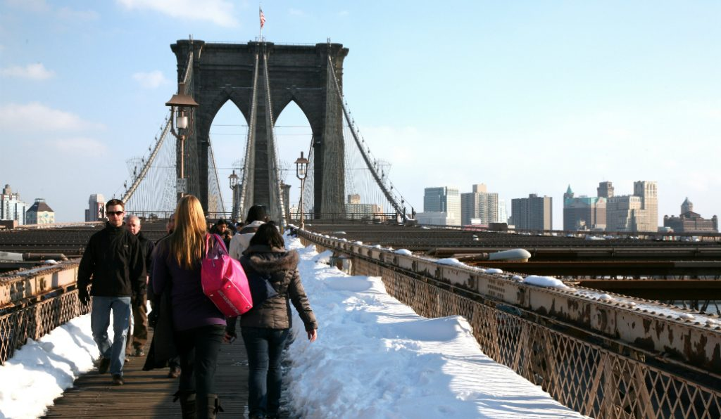 As the Arctic Chill Comes in, Free Scarves Pop Up by the East River
