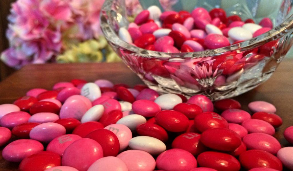 NYC Gets its First Ever Candy-Inspired Salon as Valentine's Day Pop-Up