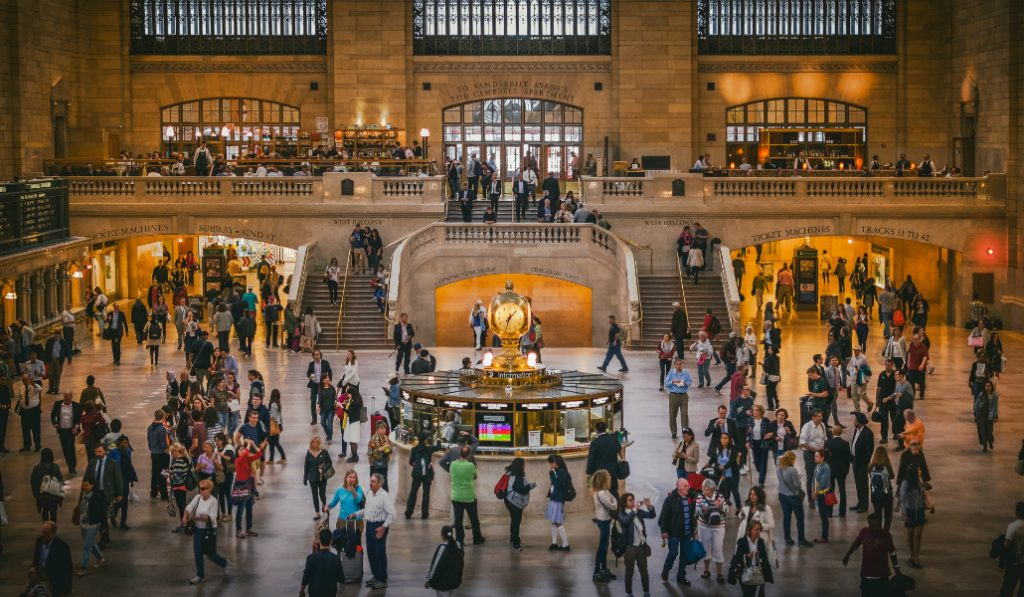 Celebrate National Beer Day With a $3 Beer at Grand Central Terminal!
