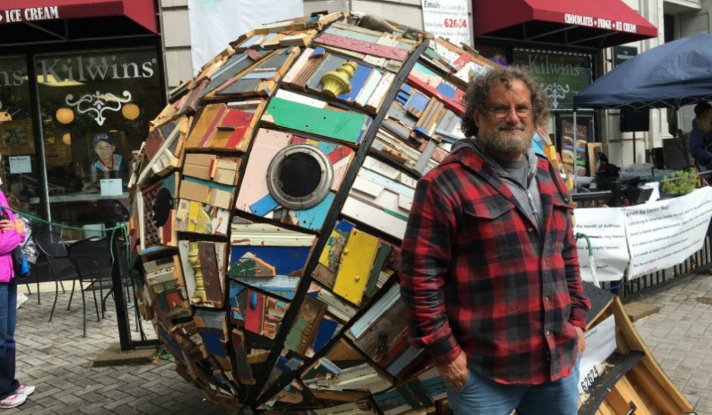 This Artist Tours the Country in His Sculpture Made of Garbage