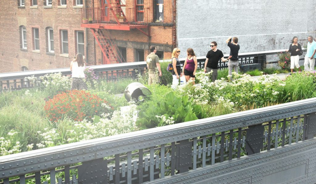 Get Fancy At This Hat Themed Party On The High Line