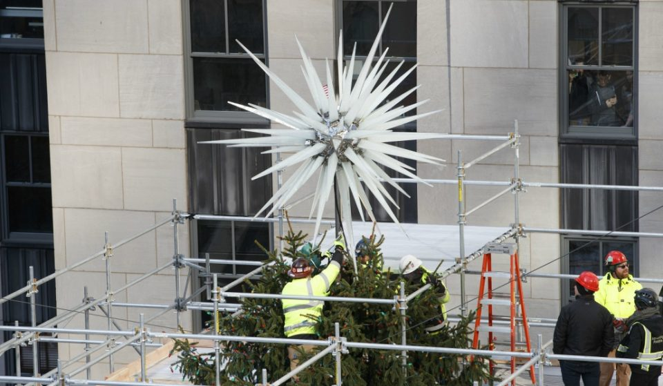 The Rockefeller Center Tree Has Its First New Star In 14 Years And It's HUGE
