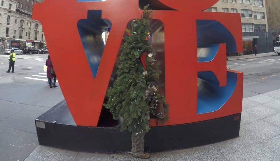 Christmas Tree Man Pranks People Around NYC To Spread Holiday Cheer