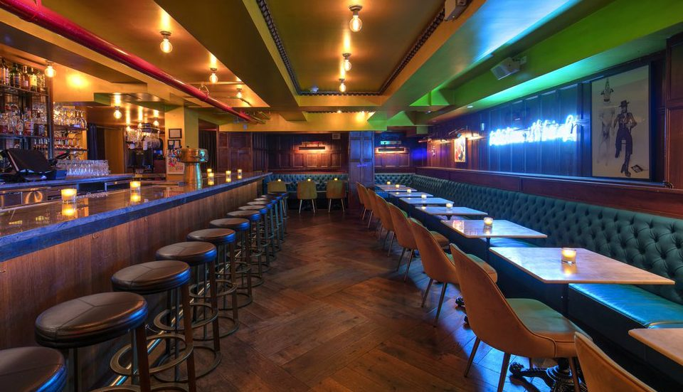 This Vintage Midtown Speakeasy Is A Piece Of 19th Century History