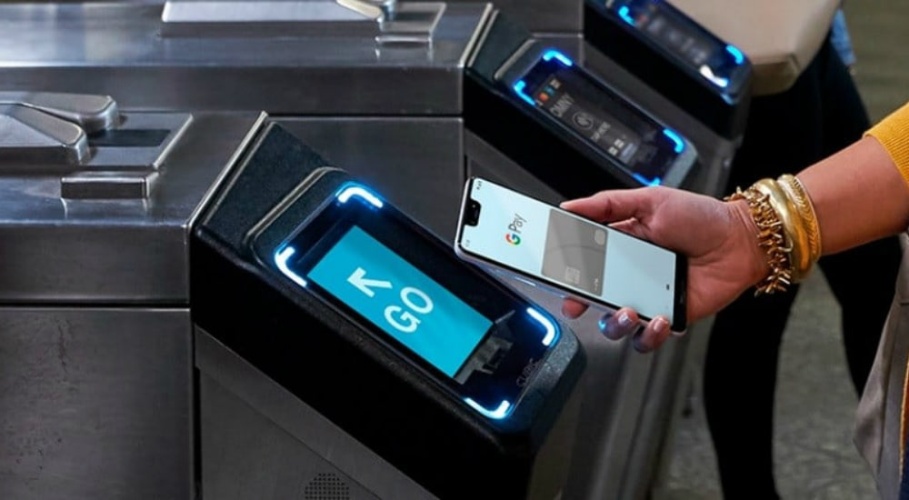 """Commuters Can Use Mobile Wallets To Swipe In At New """"Tap-And-Go"""" Turnstiles"""