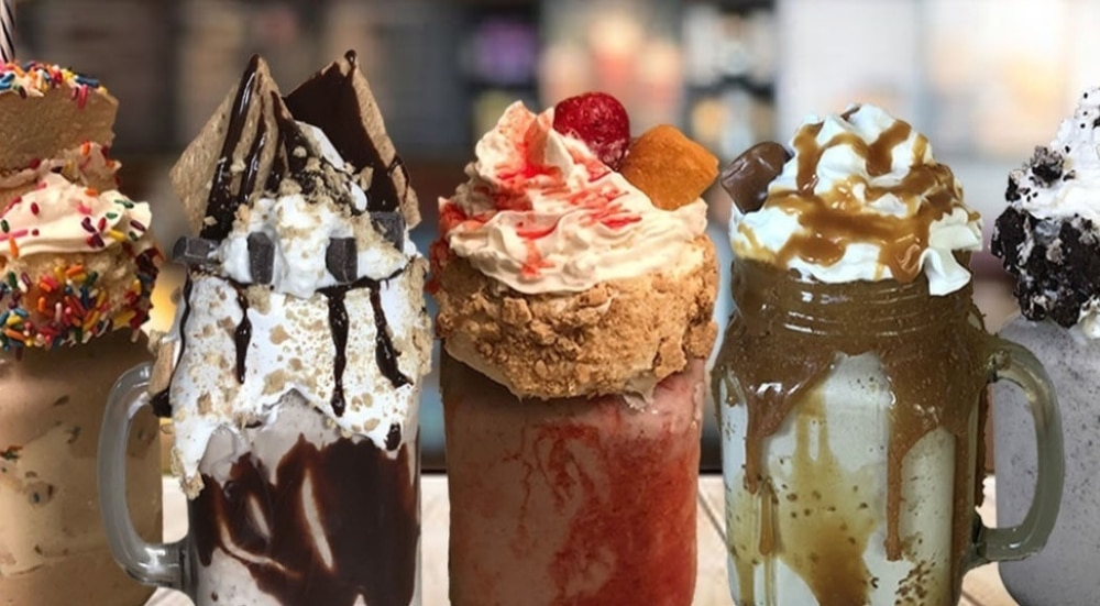 This NYC Diner Has Decadent Milkshakes And Live Performances Of Broadway Hits
