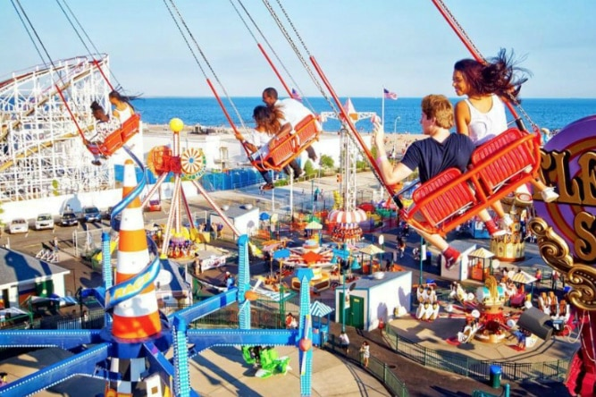 things-to-do-july-luna-park