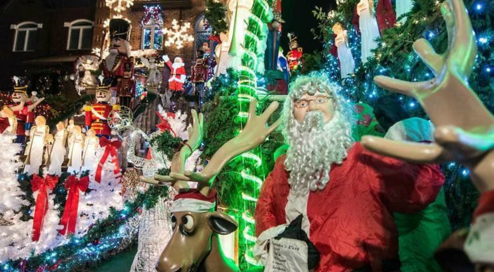 Famous Dyker Heights Christmas Lights Will Ban Food Trucks And Street Vendors This Year