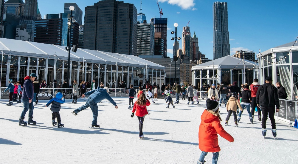 Hours For Southside Seaport Christmas Ice Rink 2020 Pier 17 Will Opens Rooftop Ice Rink With Stunning Views Of