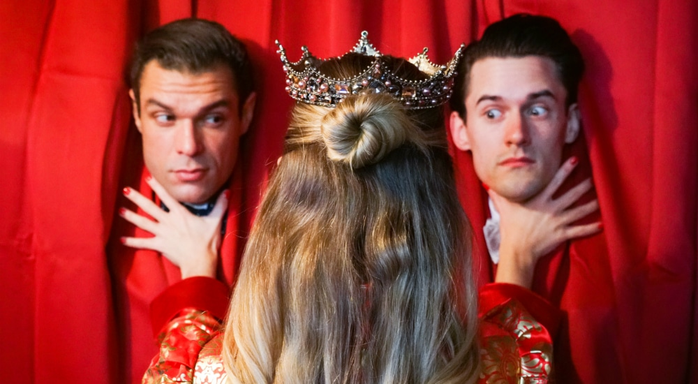 """Enter The Whimsical Wonderland And Theatrical Experience Of NYC's """"The Unbrunch"""""""