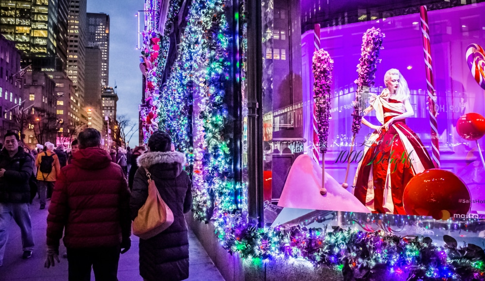Saks Fifth Avenue Christmas Light Show 2020 Times Saks Fifth Avenue Will Reveal Their Dazzling 'Frozen 2' Themed
